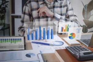 Basiskennis bedrijfsbeheer voor tussenpersonen in bank-en beleggingsdiensten (5 live webinars)